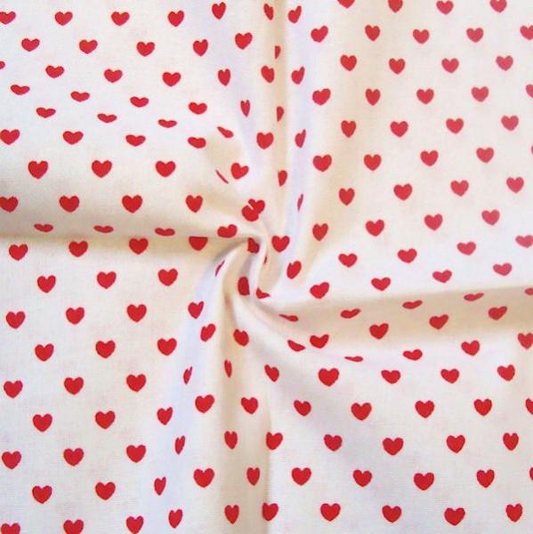 100 baumwolle stoff herzen klein weiss rot breite 145cm meterware neu ebay. Black Bedroom Furniture Sets. Home Design Ideas